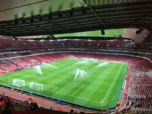 Emirates Stadium, Abschnitt: 120, Reihe: 20, Platz: 822