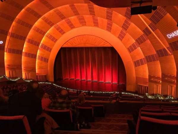 Radio City Music Hall, Abschnitt: 2nd Mezzanine 1, Reihe: F, Platz: 110