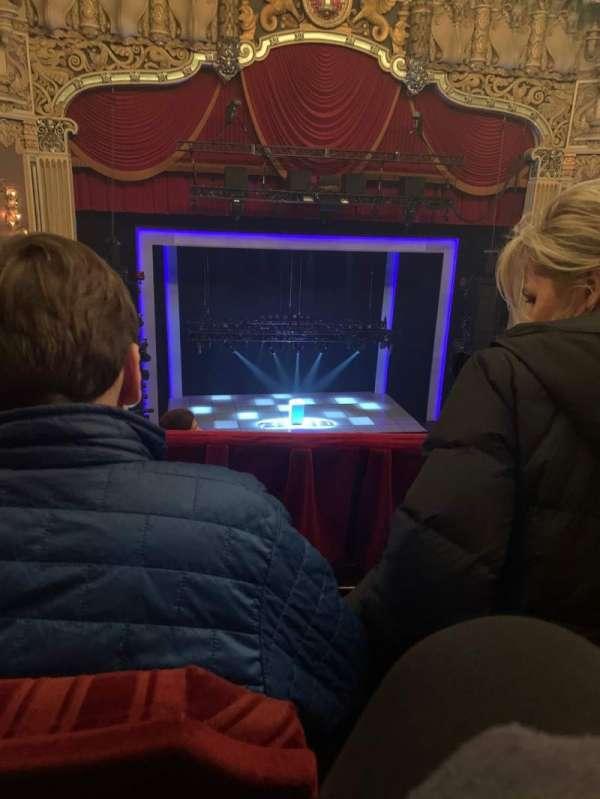 James M. Nederlander Theatre, Abschnitt: Balcony LC, Reihe: F, Platz: 327