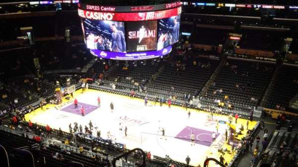 Staples Center, Abschnitt: 332, Reihe: 8, Platz: 24