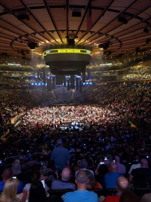 Madison Square Garden, Abschnitt: 102, Reihe: 22, Platz: 5