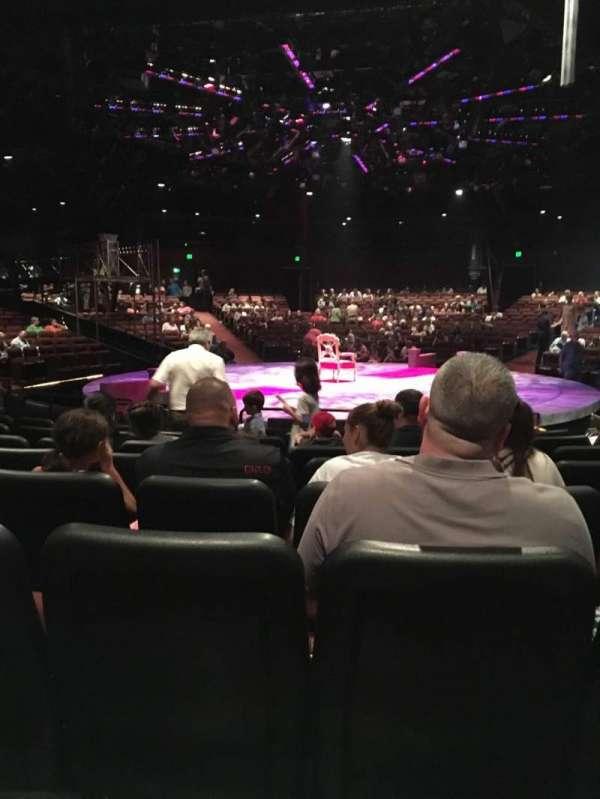 North Shore Music Theatre, Abschnitt: B, Reihe: J, Platz: 12
