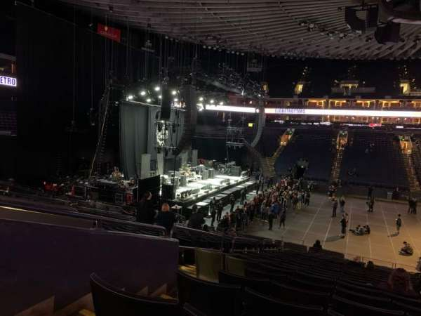 Oakland Arena, Abschnitt: 115, Reihe: 21, Platz: 10