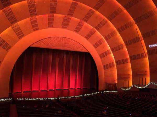 Radio City Music Hall, Abschnitt: 1st Mezzanine 6, Reihe: A, Platz: 604