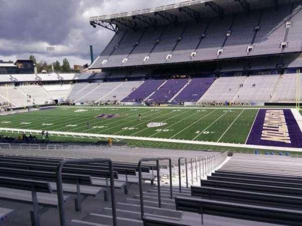 Husky Stadium, Abschnitt: 102, Reihe: 40, Platz: 25