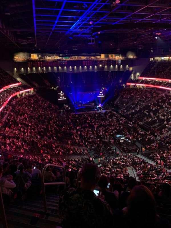 T-Mobile Arena, Abschnitt: 212, Reihe: Q, Platz: 1,2