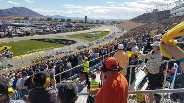 Las Vegas Motor Speedway, Abschnitt: 2M, Reihe: 37, Platz: 18