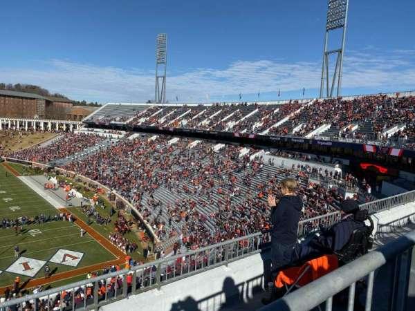 Scott Stadium, Abschnitt: 520, Reihe: D, Platz: 6