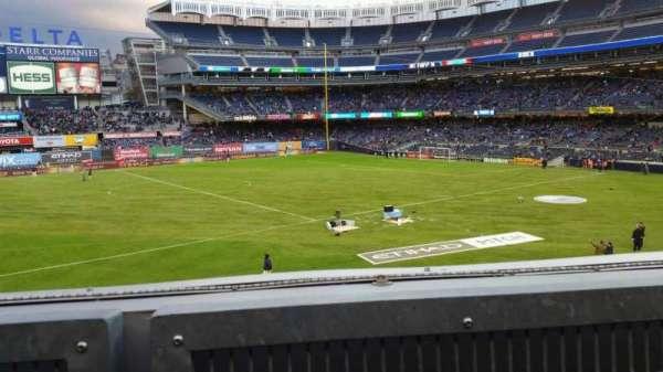 Yankee Stadium, Abschnitt: 227B, Reihe: 1, Platz: 8