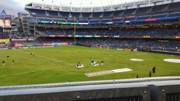 Yankee Stadium, Abschnitt: 227B, Reihe: 1, Platz: 10