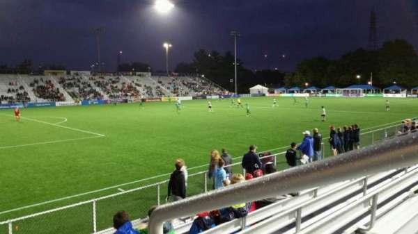 Dillon Stadium, Abschnitt: 1, Reihe: G, Platz: 1
