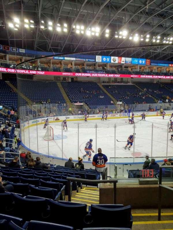 Webster Bank Arena, Abschnitt: 102, Reihe: J, Platz: 1