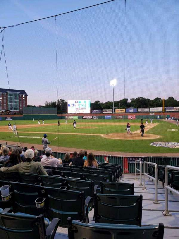Northeast Delta Dental Stadium, Bereich: 107, Reihe: M, Platz: 1