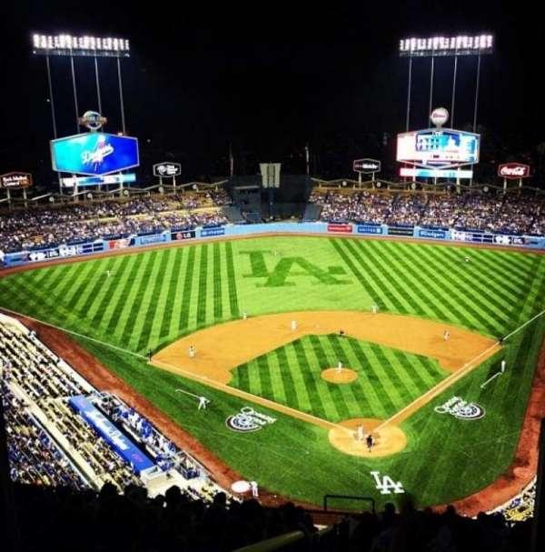 Dodger Stadium, Abschnitt: Top Deck, Reihe: M, Platz: 6