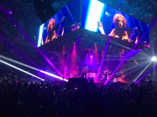 Silverstein Eye Centers Arena, Abschnitt: 104, Reihe: B, Platz: 1