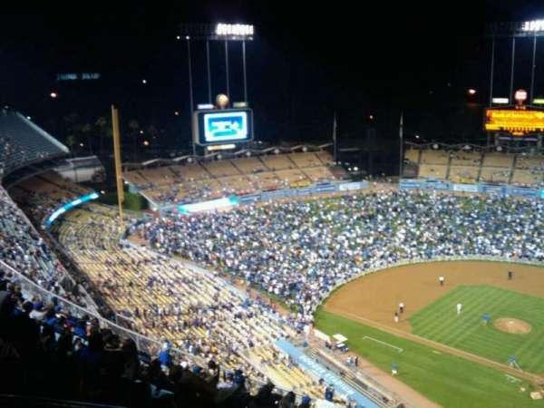 Dodger Stadium, Abschnitt: Top Deck, Reihe: P, Platz: 21
