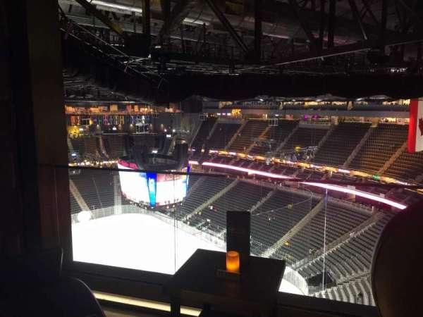 T-Mobile Arena, Abschnitt: Hyde Tables