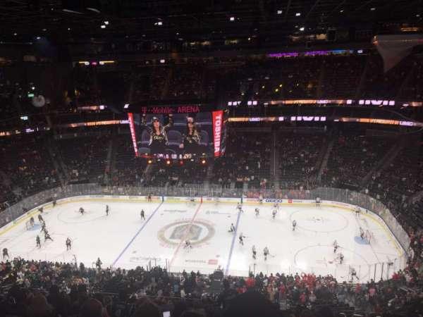 T-Mobile Arena, Abschnitt: 221, Reihe: M