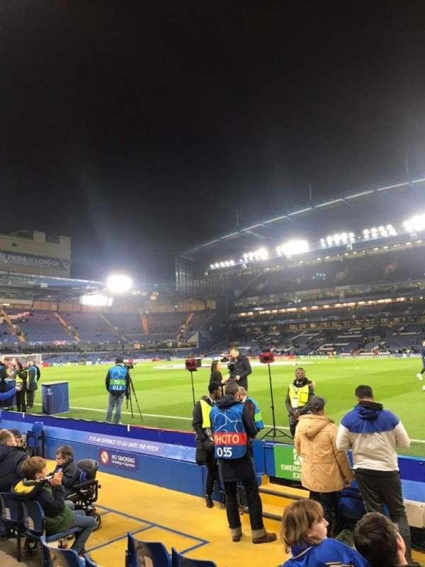 Stamford Bridge, Abschnitt: East Stand Lower 6, Reihe: H, Platz: 173