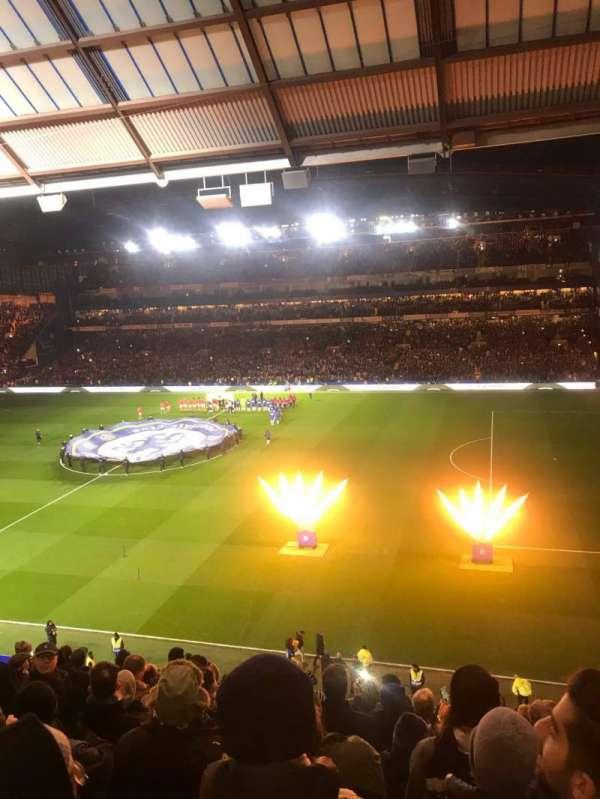 Stamford Bridge, Abschnitt: East Stand Upper, Reihe: 11, Platz: 18