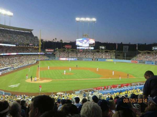 Dodger Stadium, Abschnitt: 120LG, Reihe: L, Platz: 3