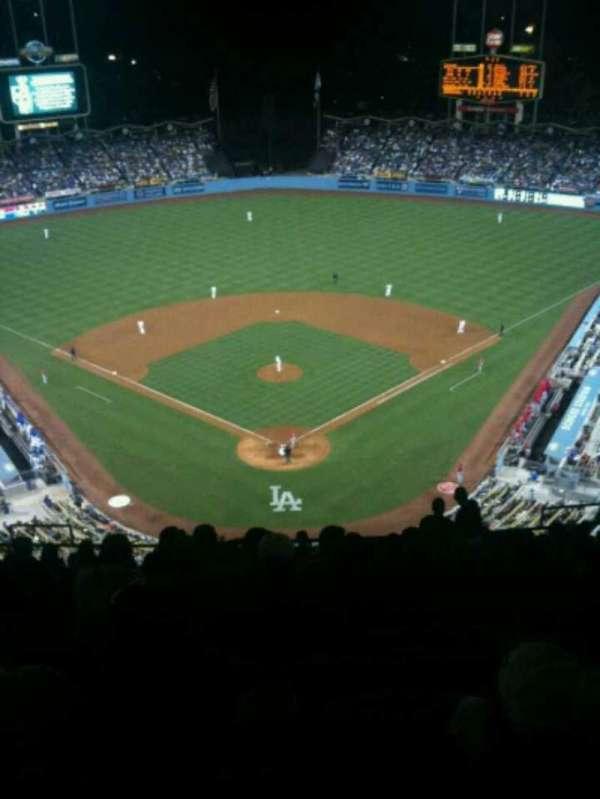 Dodger Stadium, Abschnitt: 1TD, Reihe: R, Platz: 12