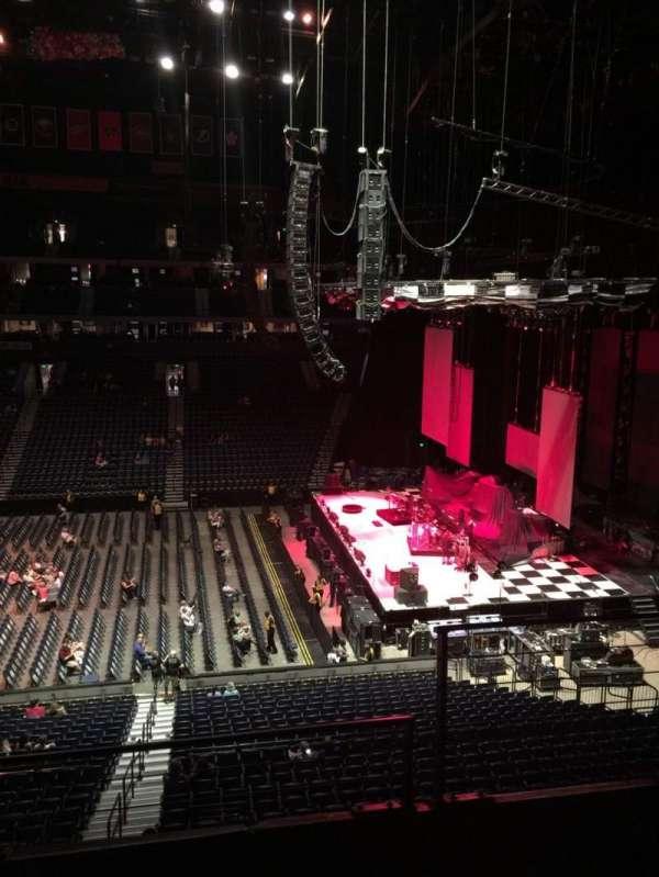 Bridgestone Arena, Abschnitt: 210, Reihe: F, Platz: 2