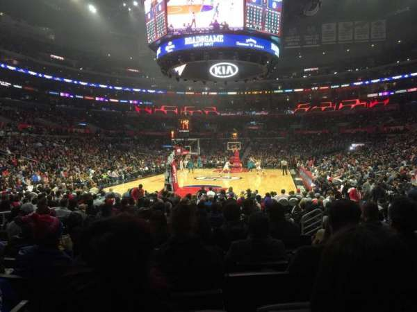 Staples Center, Abschnitt: 106, Reihe: 9, Platz: 11