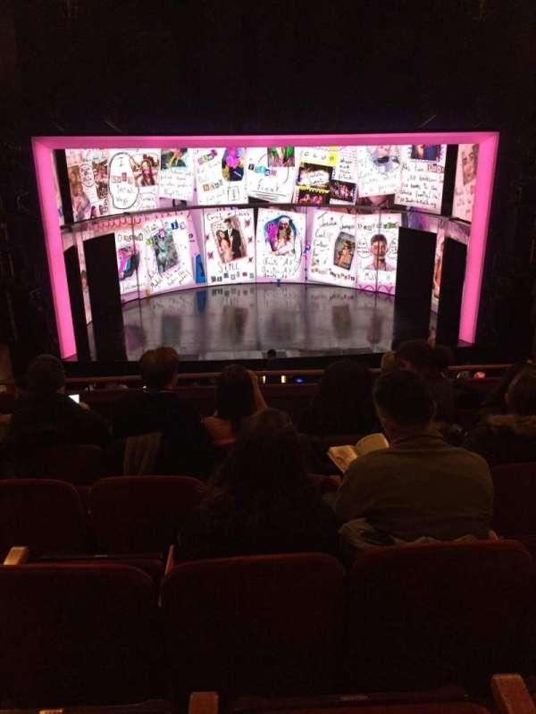 August Wilson Theatre, Abschnitt: MEZZC, Reihe: F, Platz: 111