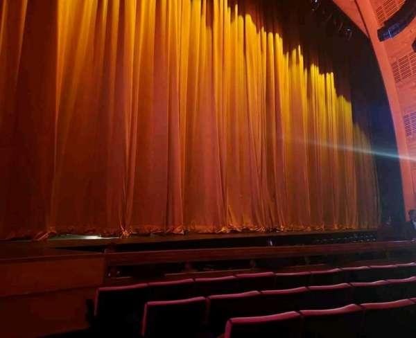 Radio City Music Hall, Abschnitt: Orchestra 6, Reihe: FF, Platz: 602