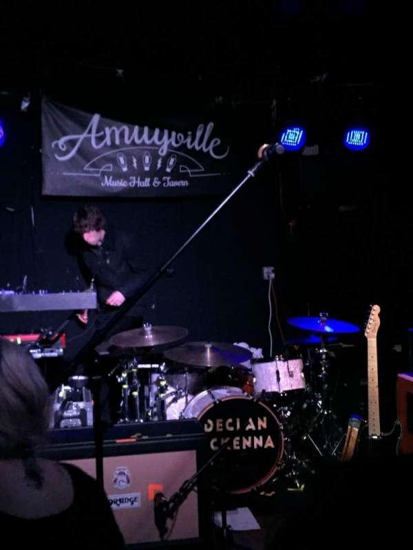 Amityville Music Hall, Abschnitt: Front row, Reihe: General admission