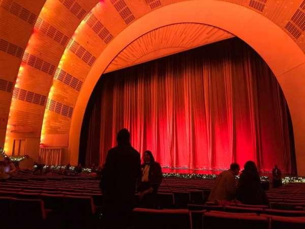 Radio City Music Hall, Abschnitt: Orchestra 2, Reihe: WW, Platz: 211