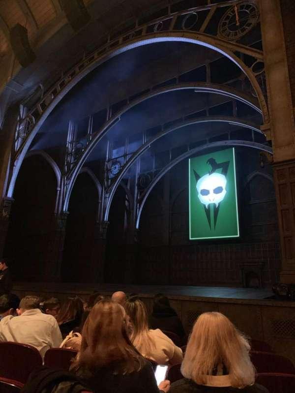 Lyric Theatre, Abschnitt: Orchestra R, Reihe: D, Platz: 28