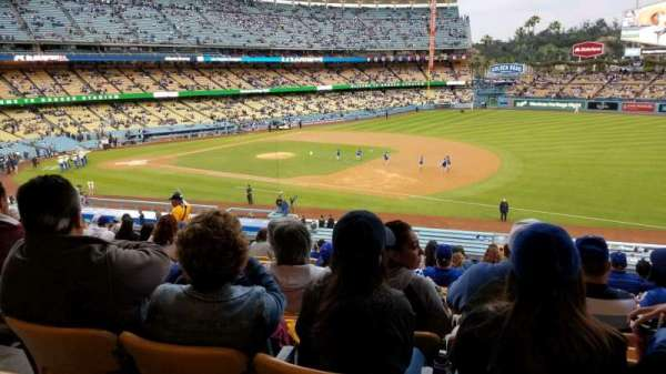 Dodger Stadium, Abschnitt: 144LG, Reihe: P, Platz: 4