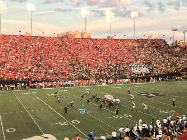 Vanderbilt Stadium, Bereich: A, Reihe: 33, Platz: 43