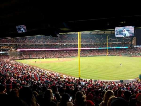 Angel Stadium, Abschnitt: T231, Reihe: K, Platz: 22
