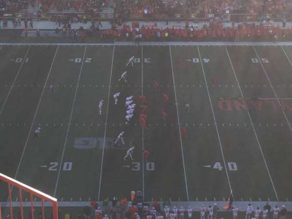 Maryland Stadium, Abschnitt: 305, Reihe: O, Platz: 3
