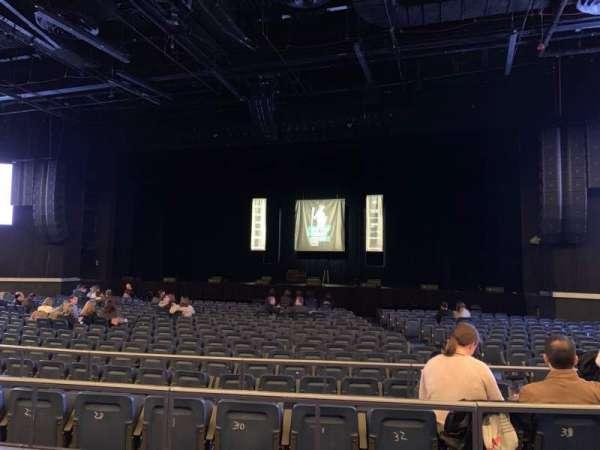 Hulu Theater at Madison Square Garden, Bereich: 202, Reihe: BB, Platz: 6