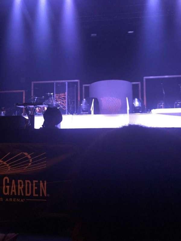 Hulu Theater at Madison Square Garden, Abschnitt: 100, Reihe: F, Platz: 10