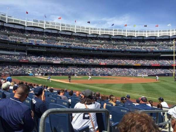 Yankee Stadium, Abschnitt: 011, Reihe: 7, Platz: 9