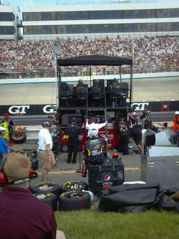 Dover International Speedway, Abschnitt: pit