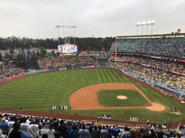Dodger Stadium, Abschnitt: 17RS, Reihe: EE, Platz: 10