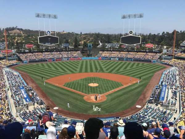 Dodger Stadium, Abschnitt: 1RS, Reihe: L, Platz: 17