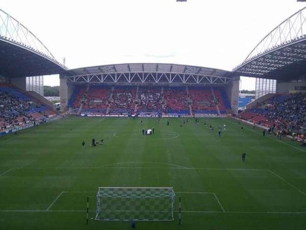 DW Stadium, Abschnitt: North Stand, Reihe: CC