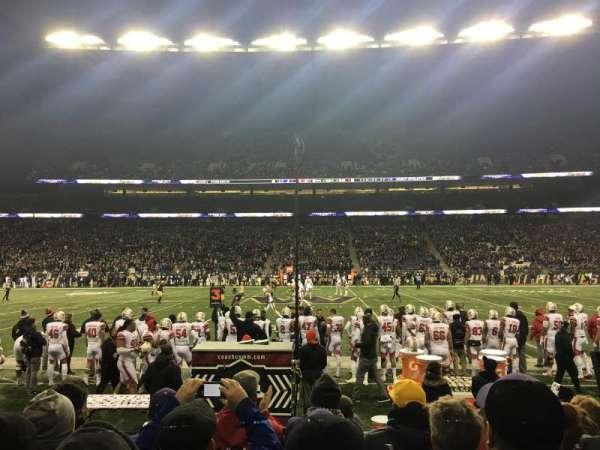 Husky Stadium, Abschnitt: 106, Reihe: 5, Platz: 9
