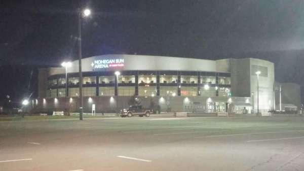 Mohegan Sun Arena at Casey Plaza, Abschnitt: Exterior