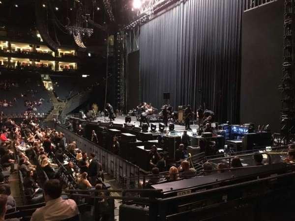 Oracle Arena, Abschnitt: 127, Reihe: 8, Platz: 12