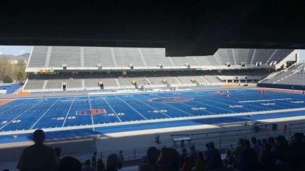 Albertsons Stadium, Abschnitt: 9, Reihe: V, Platz: 33