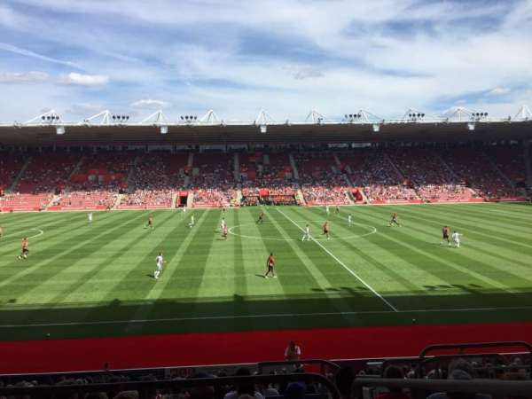 St Mary's Stadium, Abschnitt: 32, Reihe: W, Platz: 814