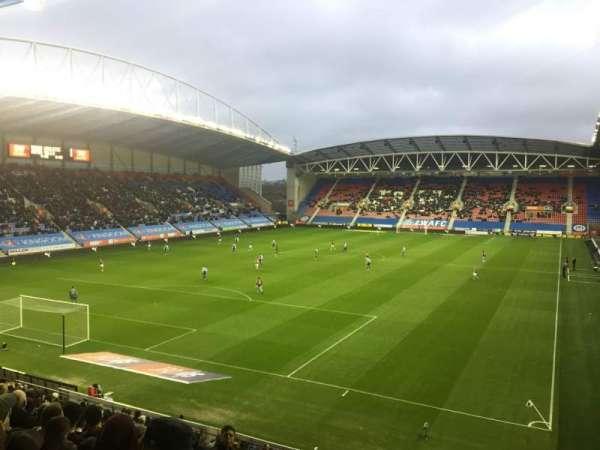 DW Stadium, Abschnitt: N2, Reihe: Y, Platz: 18